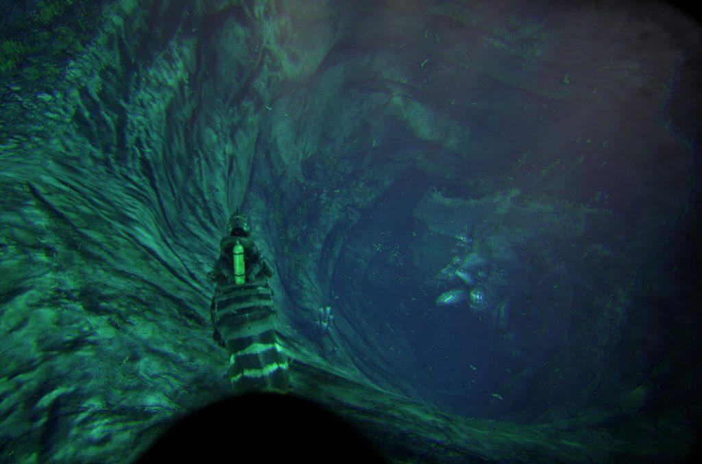 蜂蜜洞窟の海底